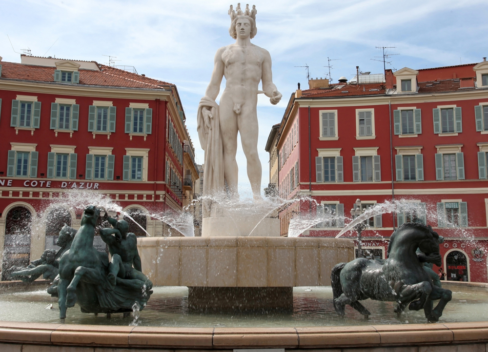 Nice place Masséna Fontaine du Soleil face